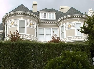 is the ghost of claudia chambers haunting the mansion?